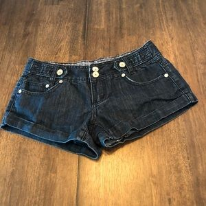 Women's size juniors 5 Almost Famous Jean Shorts